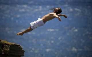 К чему снится прыгать в бассейн с большой высоты