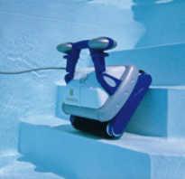 Как чистить бассейн роботом